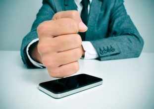 Решение вопроса с ЗАО «Связной Логистика» (продавец) в связи с продажей некачественного телефона.